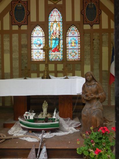 Sur le lieu de la chapelle à Honfleur intérieur