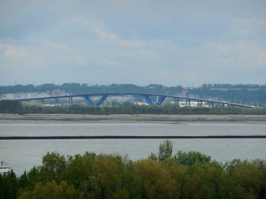 Vue panoramique sur le pont de Normandie
